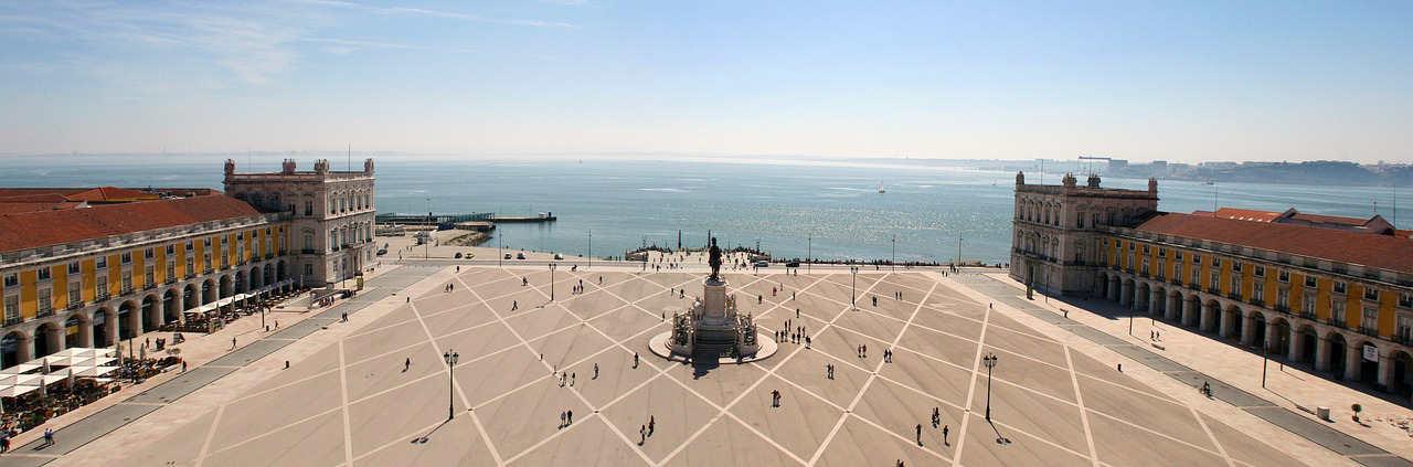 Lisbona-Portogallo-piazza