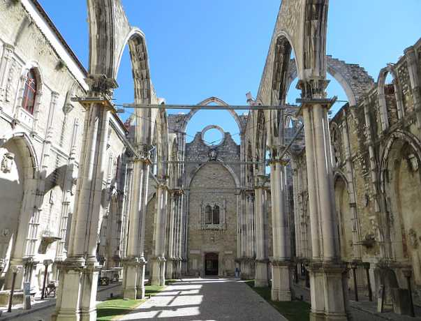 convento-carmo-Lisbona