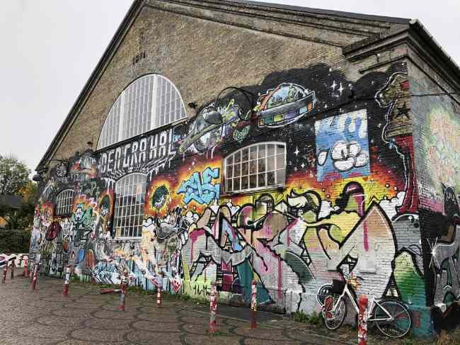Danimarca_Christiania_edifici_murales