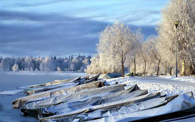 finlandia-inverno-neve-lago