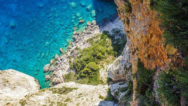 isola-greca